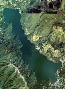 Lake ashi aerial photograph.1976 1528097412