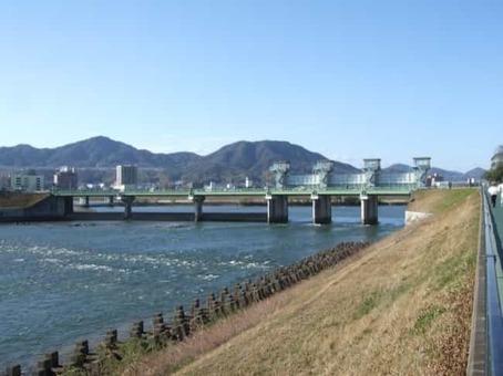 Ohshiba bridge at hiroshima 01 1528098380