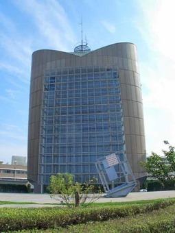 Marugame newspaper and broadcasting hall motoriz 1 1528099103