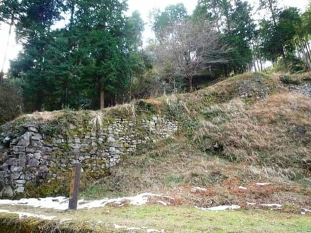 Hyakken ishigaki stone wall  28one of the onojo castle ruins 29 1528082136