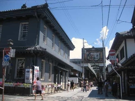 Kurokabe square 20110827 1528088285