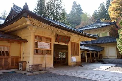 Autumn koyasan reihokan02n3200 1528088332