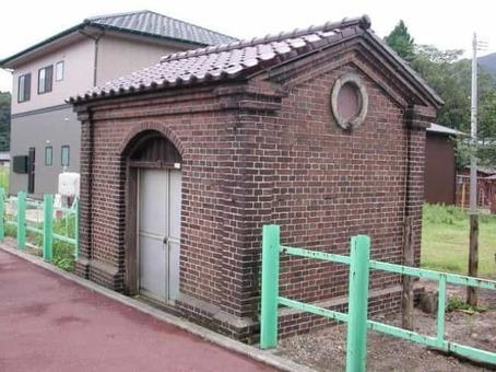 Maoroshi lamp house 20040905 hitamu1200 1528091861