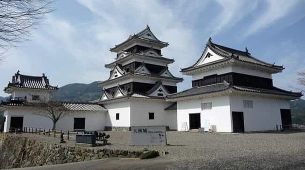 Ozu castle 2009 1528092530